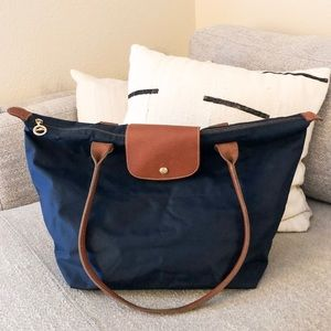 Longchamp Le Pilate Tote In Navy